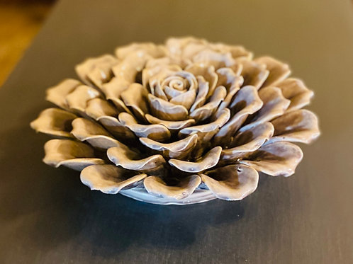 Ceramic Mauve Flower Decor (m122)