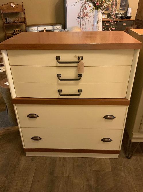 Real Furniture Dresser  CD 130
