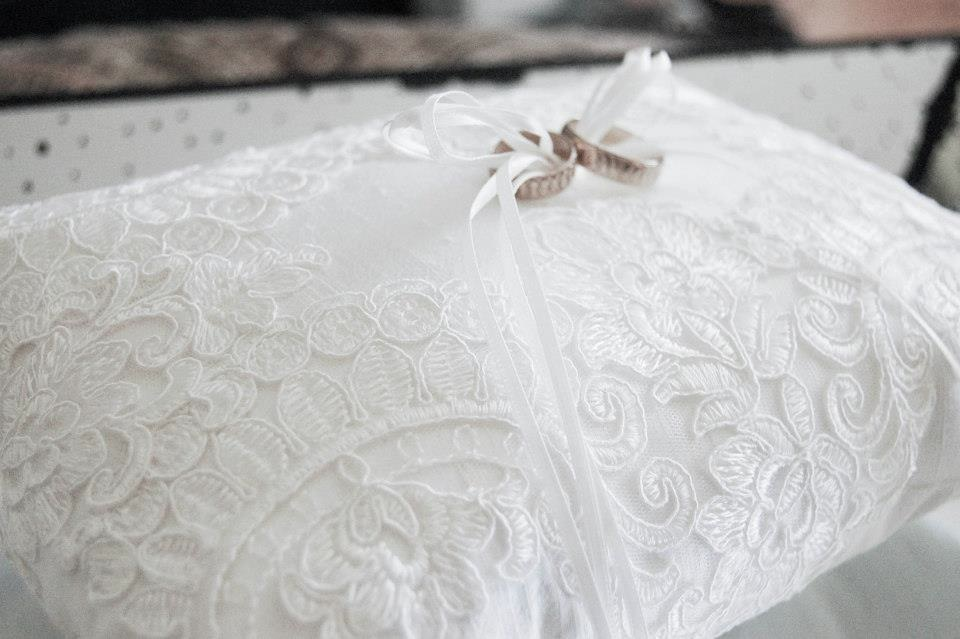 Lace Ring Pillow