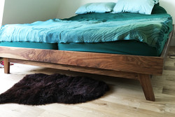 Bed (king size)