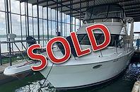 99 Carver 356 1998 Regal 402 Used Boat L