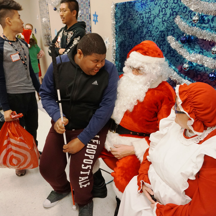 Lions Holiday Shopping Spree 12-4-16 (80)