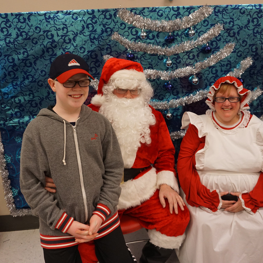 Lions Holiday Shopping Spree 12-4-16 (72)