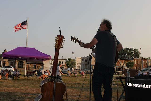 Farmers Market / Music in the Park - Steve Berkemeier