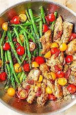 Grilled_chicken,_Pesto_Rosso_crème,_arug