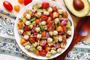 Mozzarella, pesto, red onion and our chi