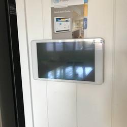 MyAir 5 touch screen