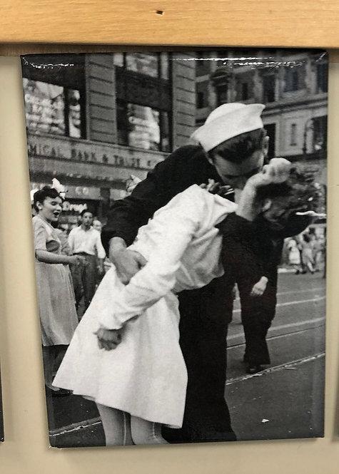 Kissing Sailor Magnet