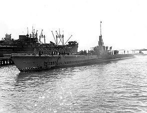 775px-USS_Lionfish_(SS-298).jpg