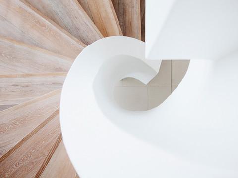 Escalier courbant
