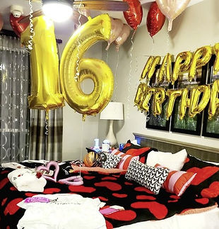 gold number balloons.jpg