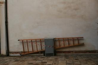 Leiter und Elektroverteilerkasten