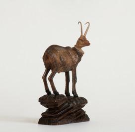 Uralte geschnitzte Gams aus Jagdhütte im Isartal 1900 Jh., ebay Nr. 190678013295