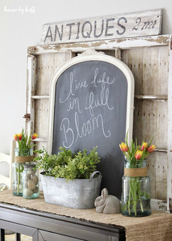 Chalkboard and Pallet Decor