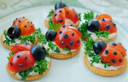 Spring Ladybug Crackers