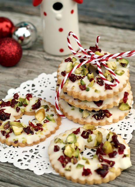 Pistachio Wreath Cookies