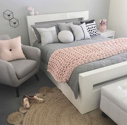 Subtle Gray Bedroom Ensemble