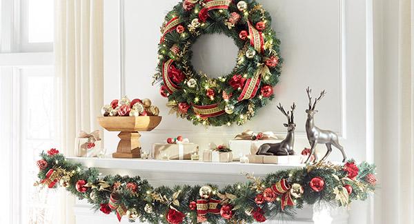 Christmas Reindeer Mantle