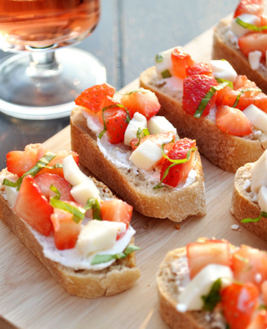 Strawberry Mozzarella Crostini