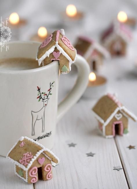 Gingerbread House Mug Cookies
