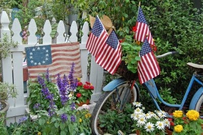 July 4th Yard Decor