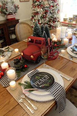 Charming Christmas Tablescape