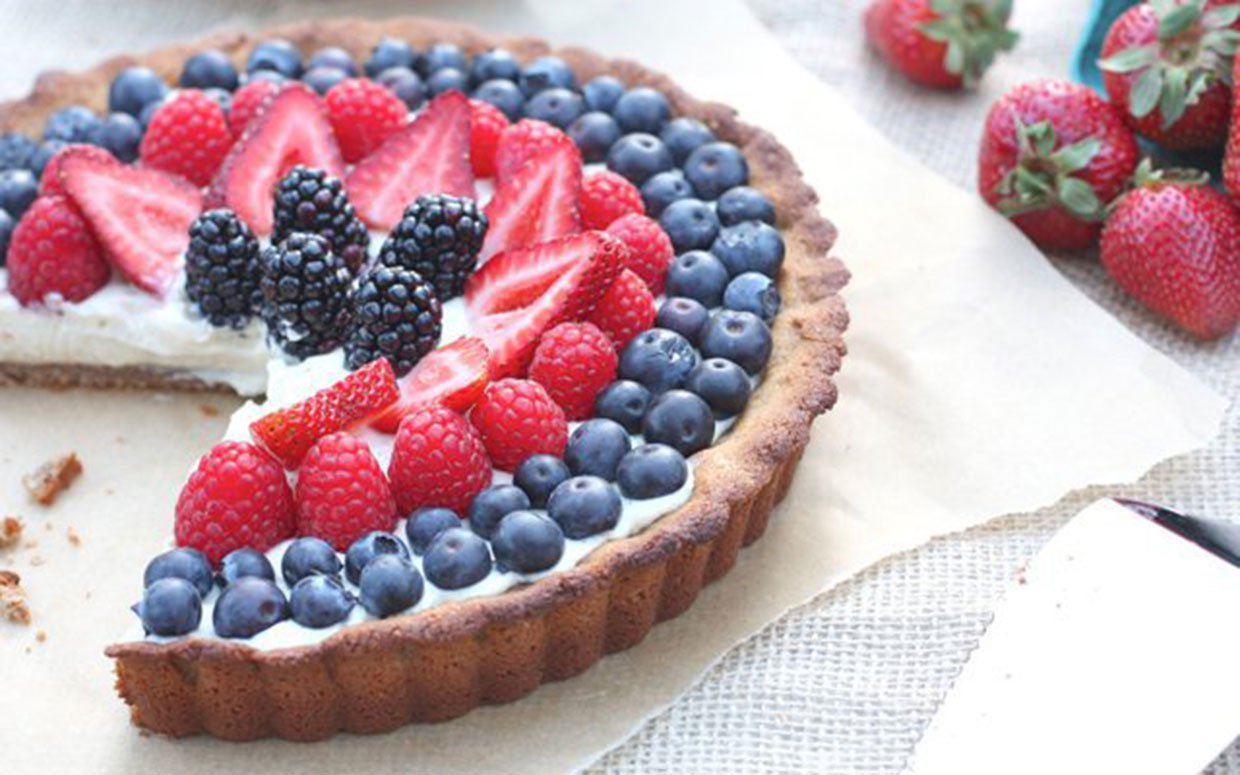 BerryTart with Vanilla Custard