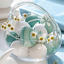 Easter Eggs & Daisies