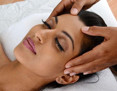 Indian-Head-Massage-565x600.jpg