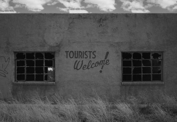 tourists welcome! (mono)