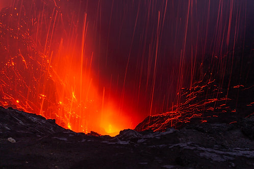 Yasur volcano eruption