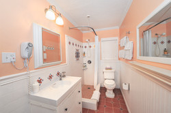 Shower bathrooms, Rooms 1-6