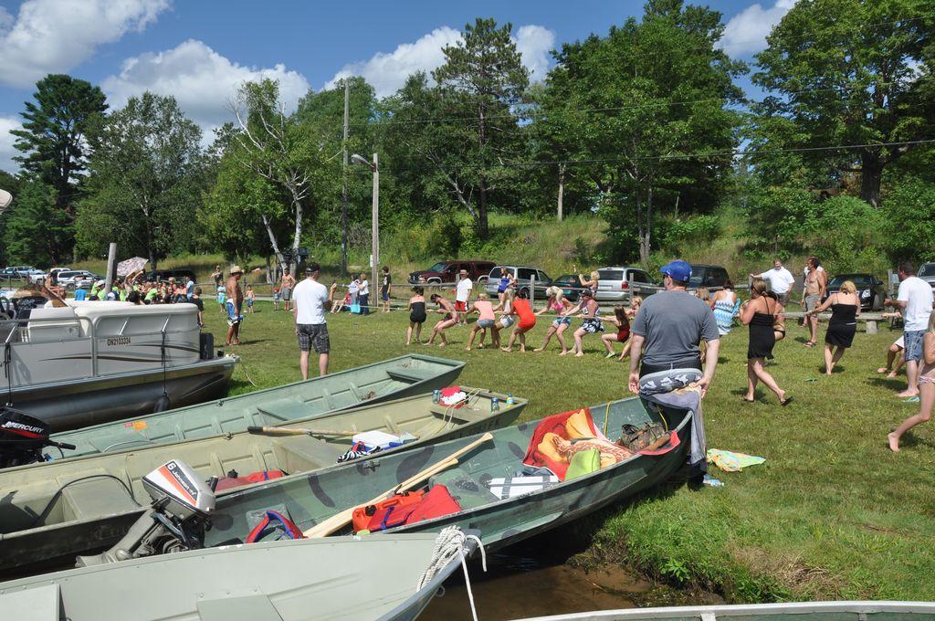 Cordova Lake Cottage Regatt 2011 236
