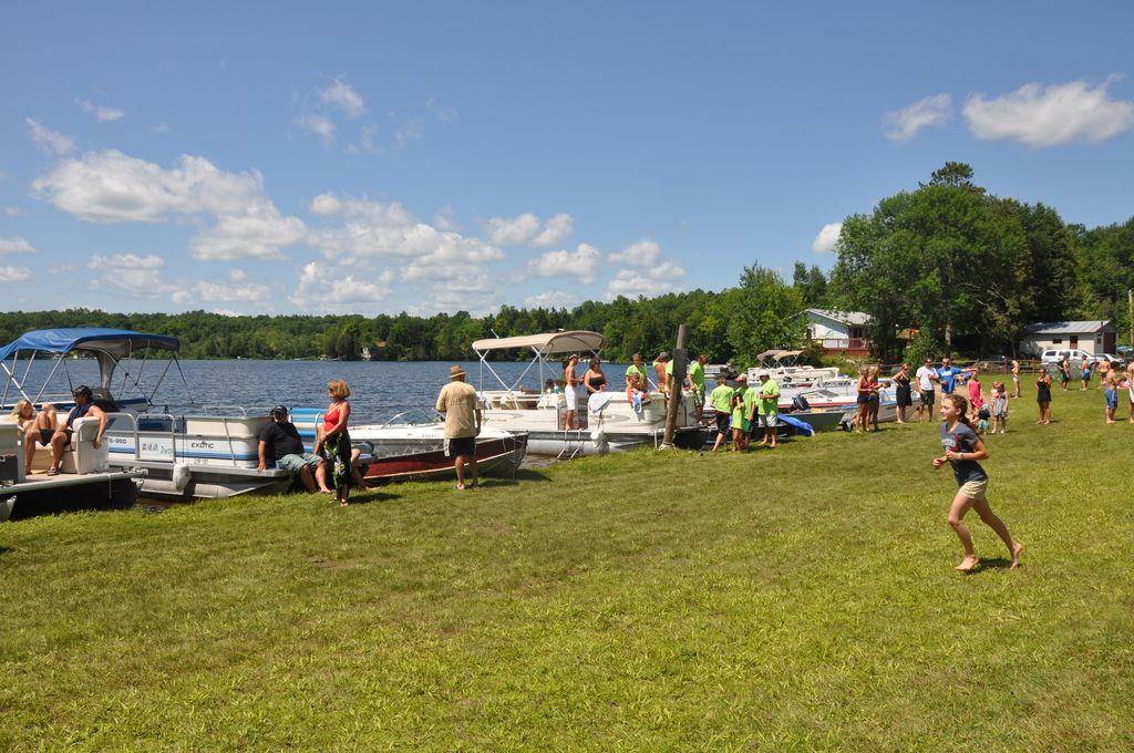 Cordova Lake Cottage Regatt 2011 080