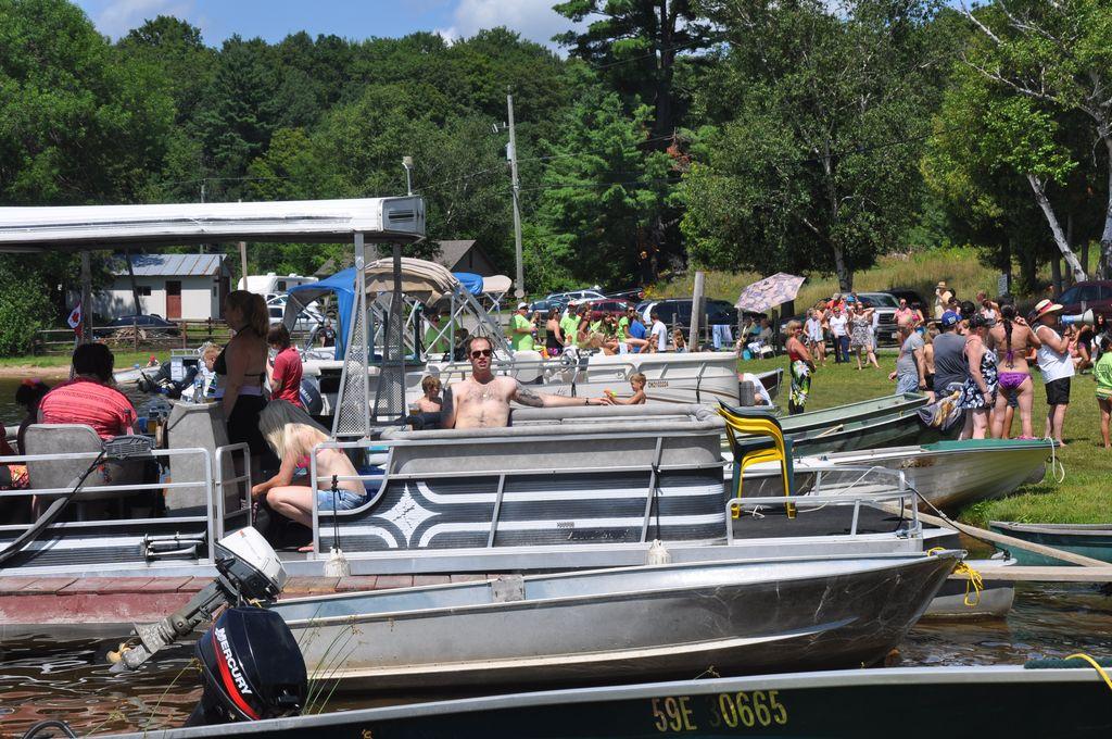 Cordova Lake Cottage Regatt 2011 100