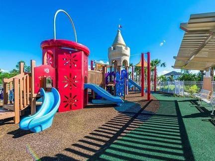 V-S-6-Playground.jpg