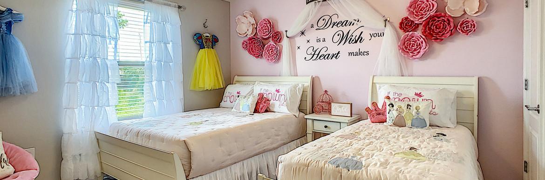 Alnwick Castle - Princess Bedroom