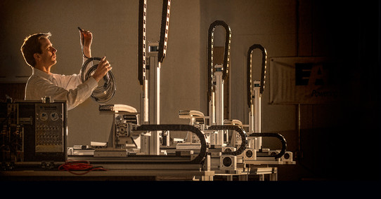 Technician Wires Manufacturing Machine