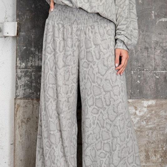 Cozy Snake Print Wide Leg Fleece Pant