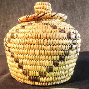 001 Lidded basket, 6 x 6, Tohono O'odham