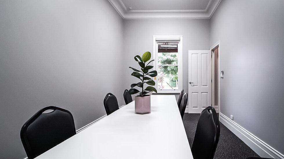smallroom1.jpg