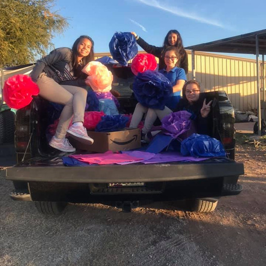 Decorating our X-mas Float