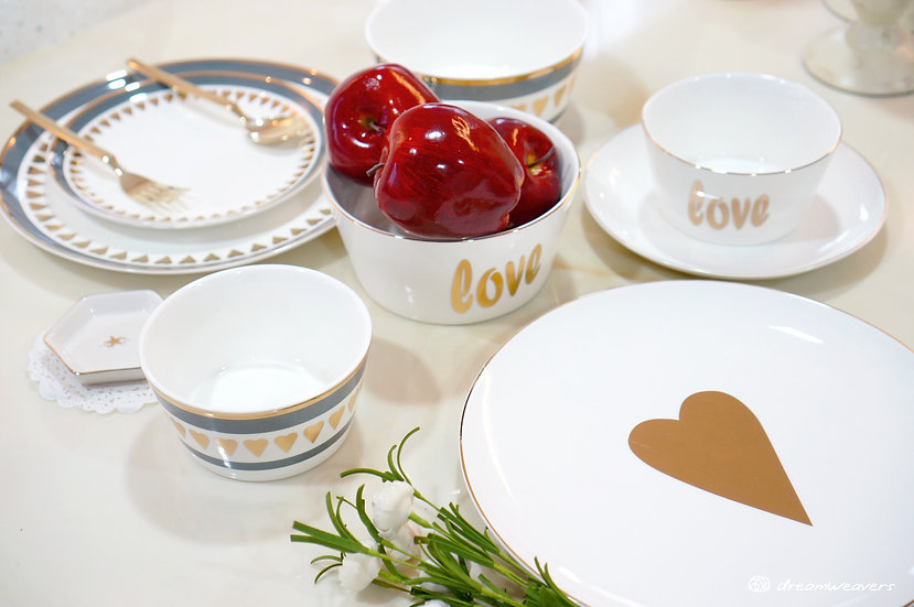 Hearts of Gold Dinnerware Collection 1