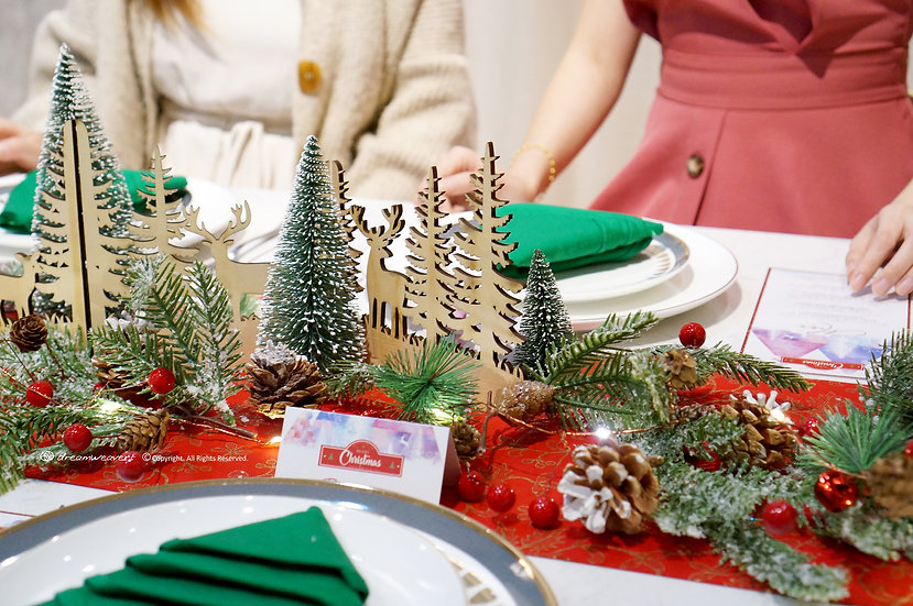 d'Evergreen Holiday Tablestyling Set
