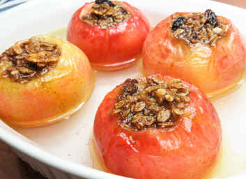Baked Apples with Cinnamon Muesli