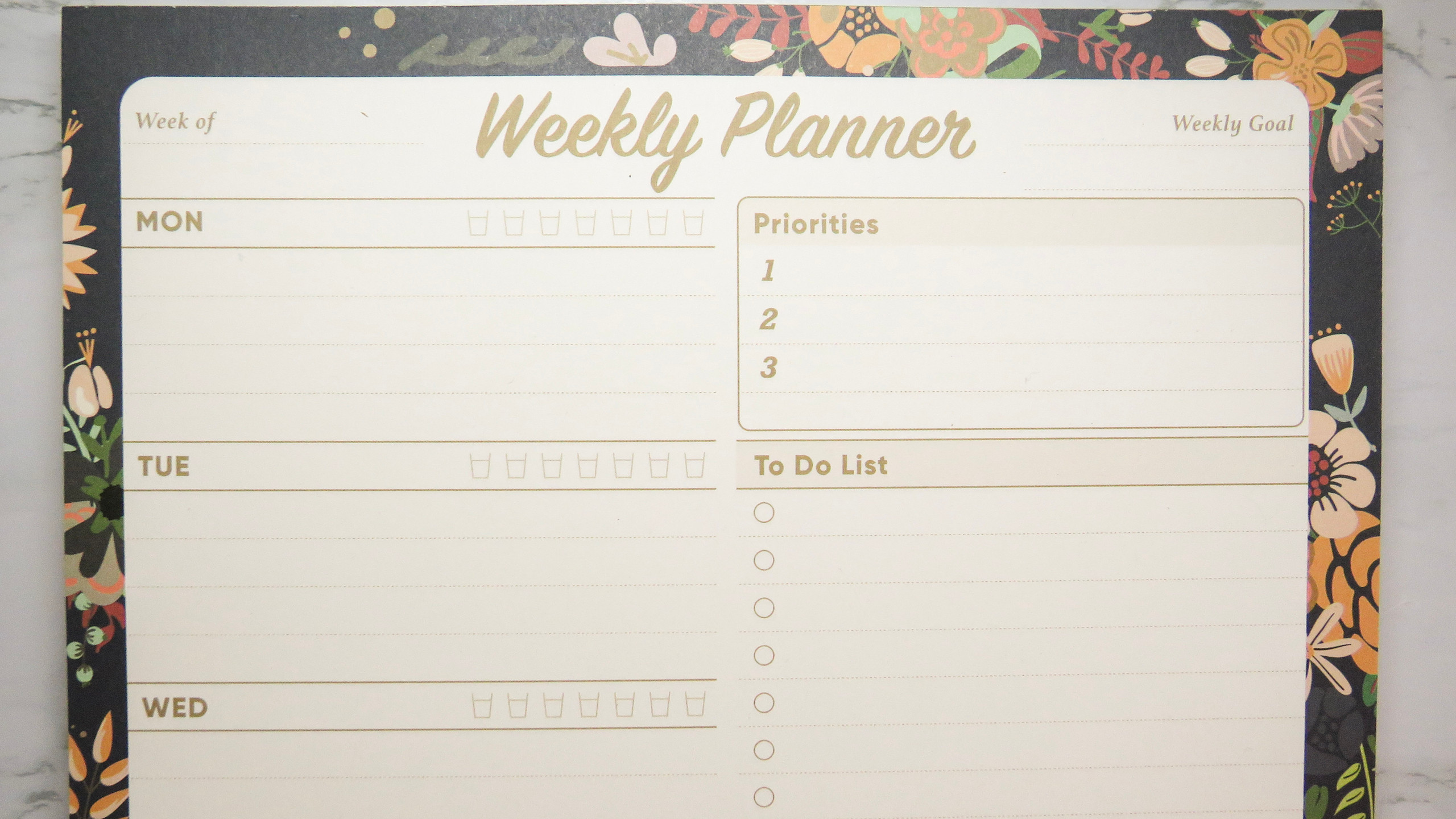 Close up of the top of the Oriday planner pad