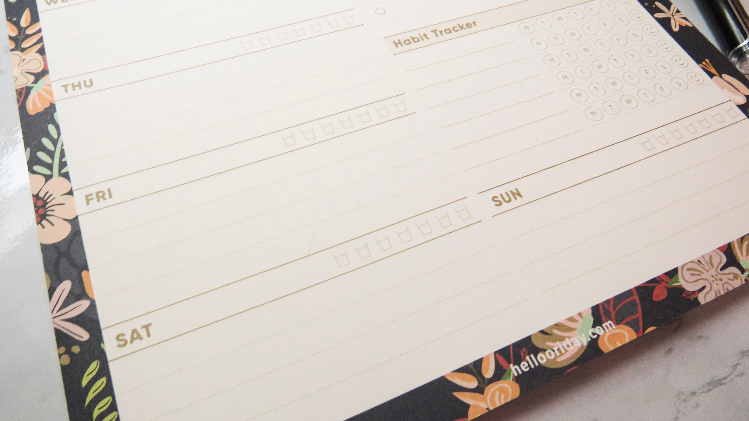 Close up of the bottom of the Oriday planner pad