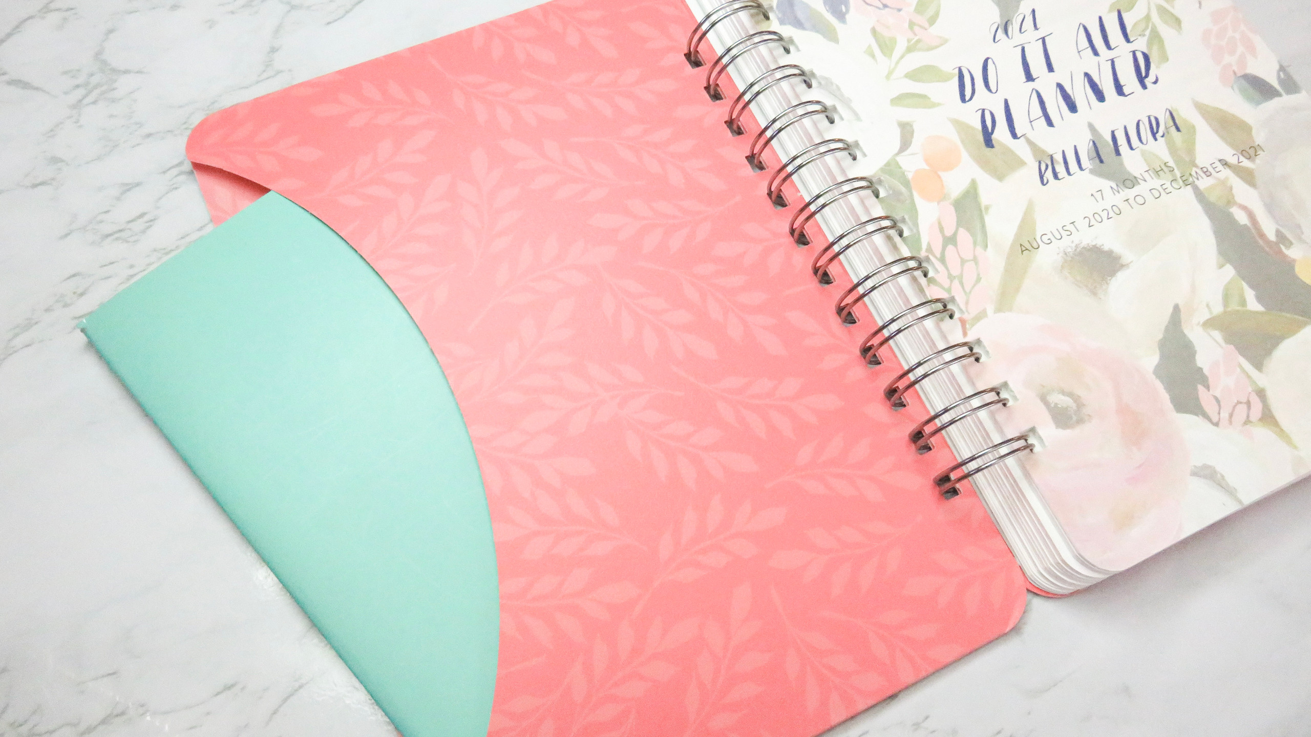 Inside pocket in the Do It All Weekly Planner