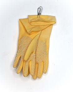 elissa ecker -  GardenGloves.jpg