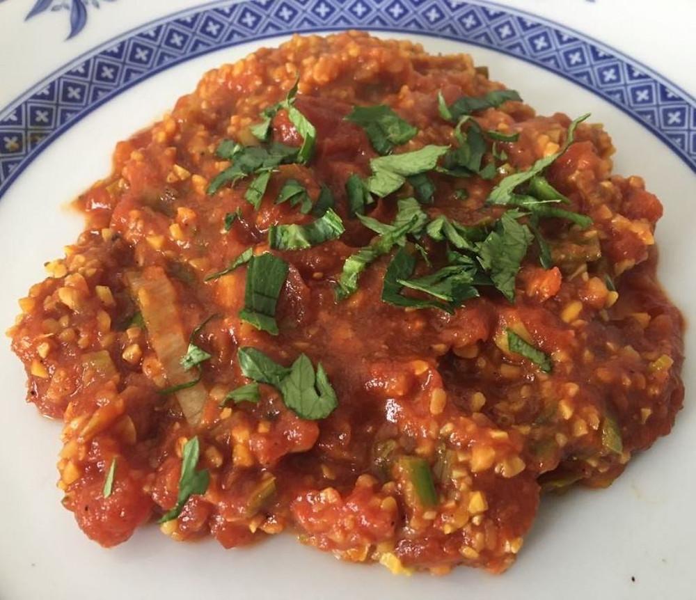 Indische Tomatensauce (grün) - hier mit gekochtem Lupinenschrot